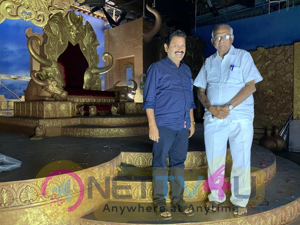 Veteran Filmmaker SP Muthuraman Surprise Visit To Dharma Prabhu Shooting Spot Pics Tamil Gallery