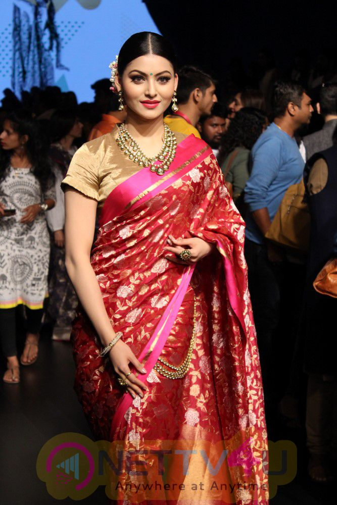 Guest Shamita Shetty, Salim Sulaiman, Urvashi Rautela, Shabana Azmi At Lakme Fashion Week Summer 2017 Stills Hindi Gallery