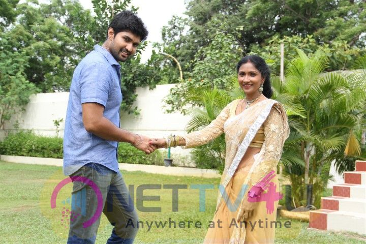 Nenjil Oru Oviyam Movie Marvellous Photos Tamil Gallery