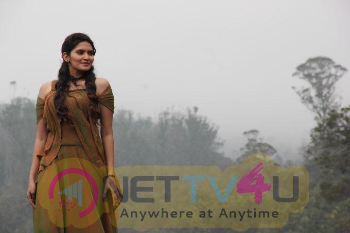 Saaga Movie Working Stills  Tamil Gallery