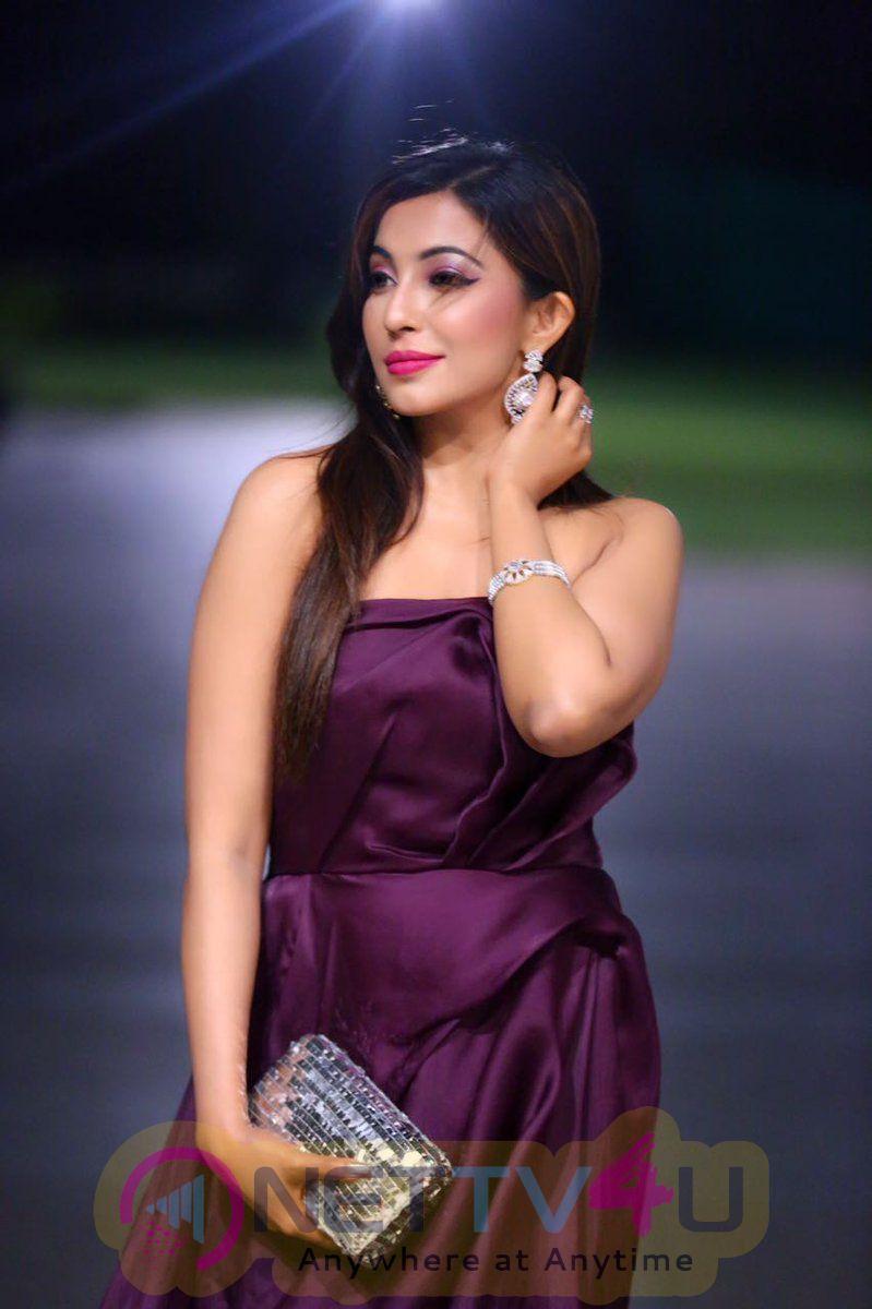 Actress Parvathy Nair Latest Photoshoot 2017