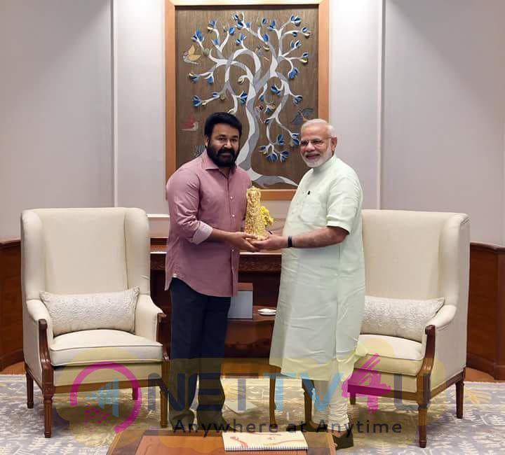 Mohanlal Meet Prime Minister Narendra Modi Pics Tamil Gallery