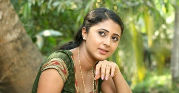 Actress Kanika Reprimands T Rajendar Following Dhansika Issue