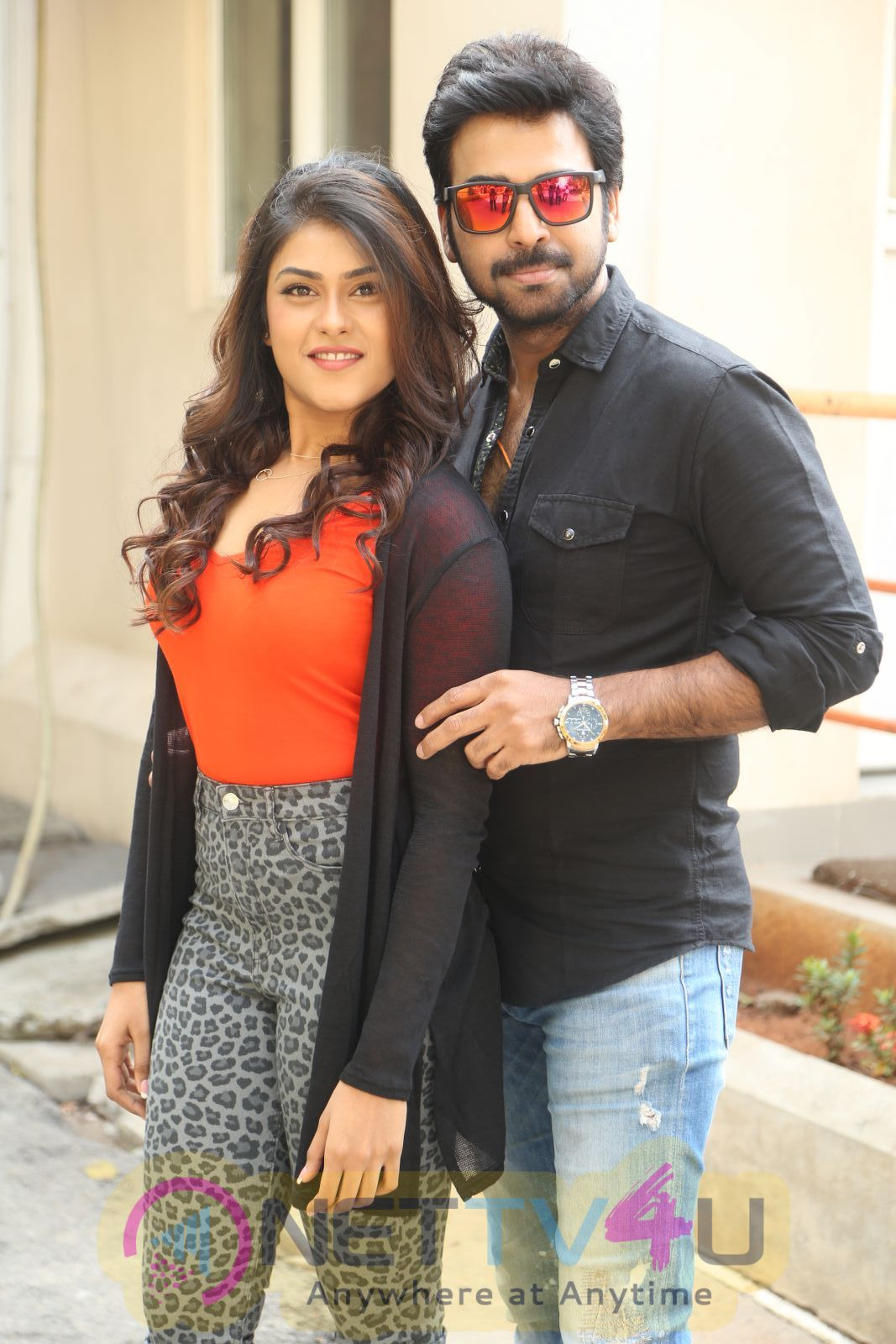 E EE Movie Trailer Launch Photos
