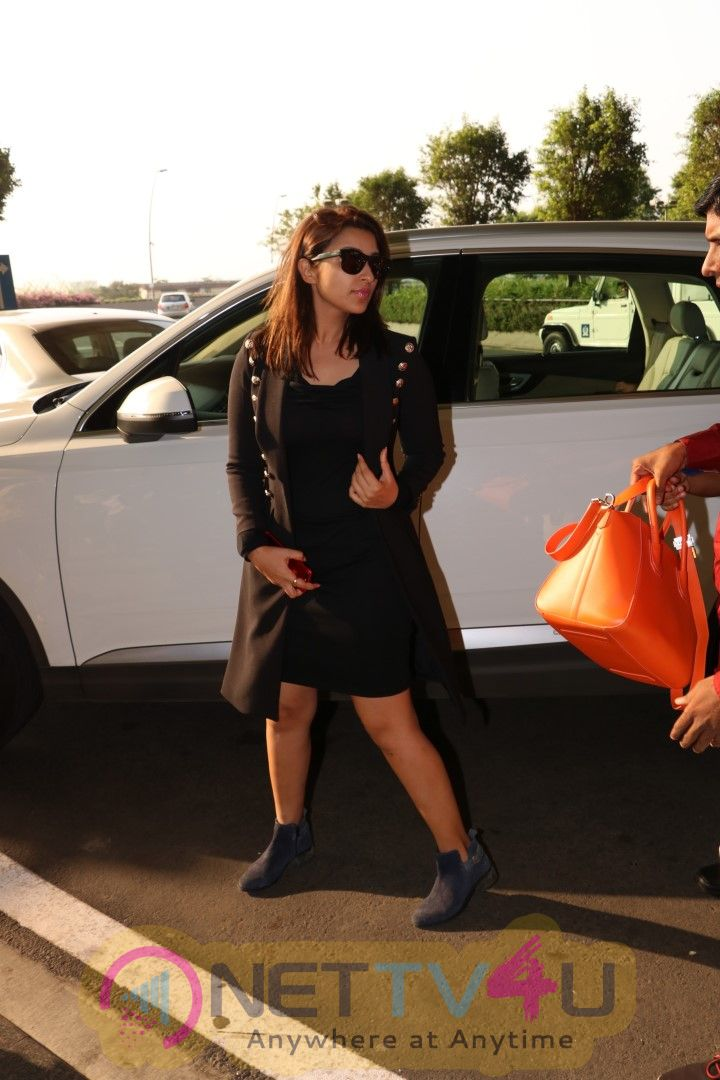 Parineeti Chopra Spotted At Airport Pics