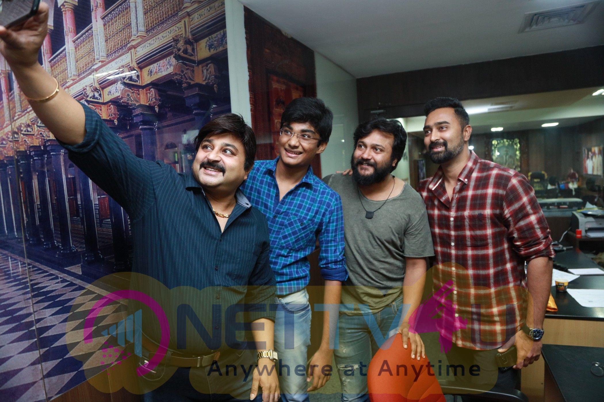 Thiruttuppayale 2 Success Celebration With Audience At Kasi Theater And Kamala Cinemas Pics Tamil Gallery