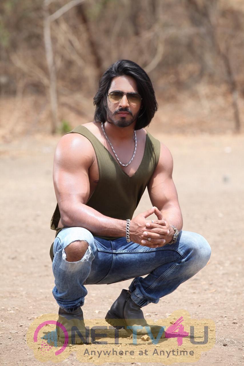 Actor Thakur Anoop Singh Good Looking Images