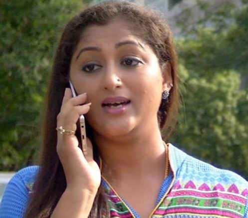 Deivamagal Gayathri Stuck In A Death Rumor!
