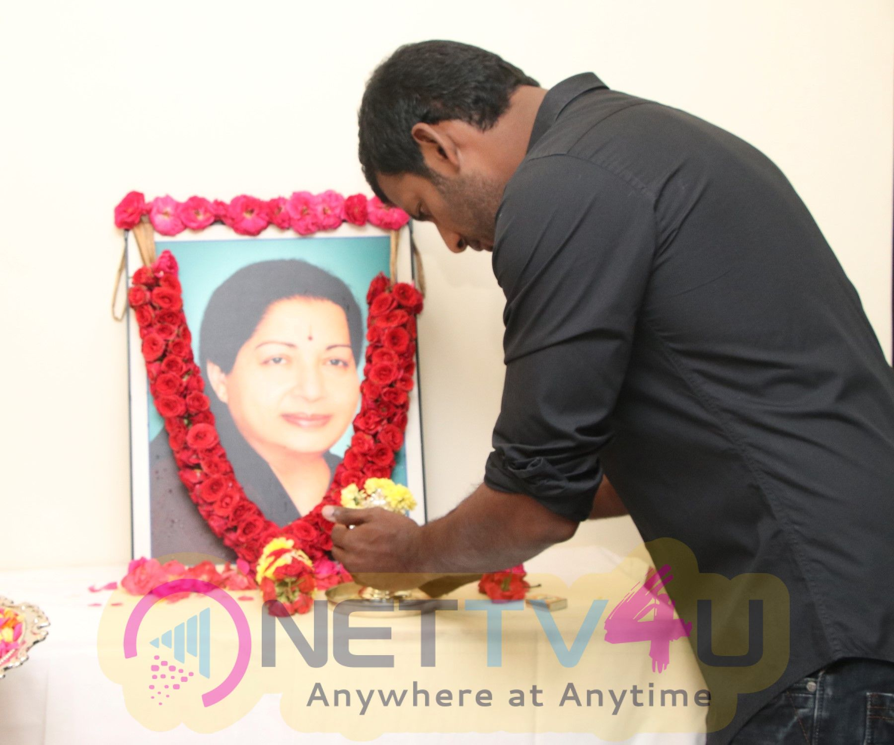 Actor Vishal Paying His Respects To Amma Jayalalitha Images