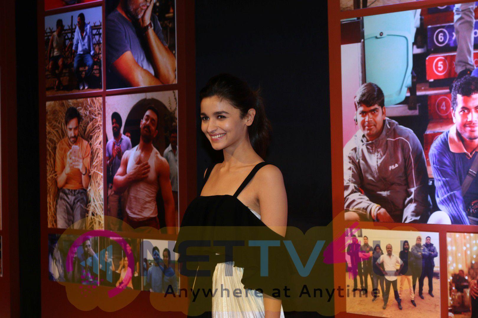 Dangal Team Celebrates Success With Joy Exclusive Stills Hindi Gallery