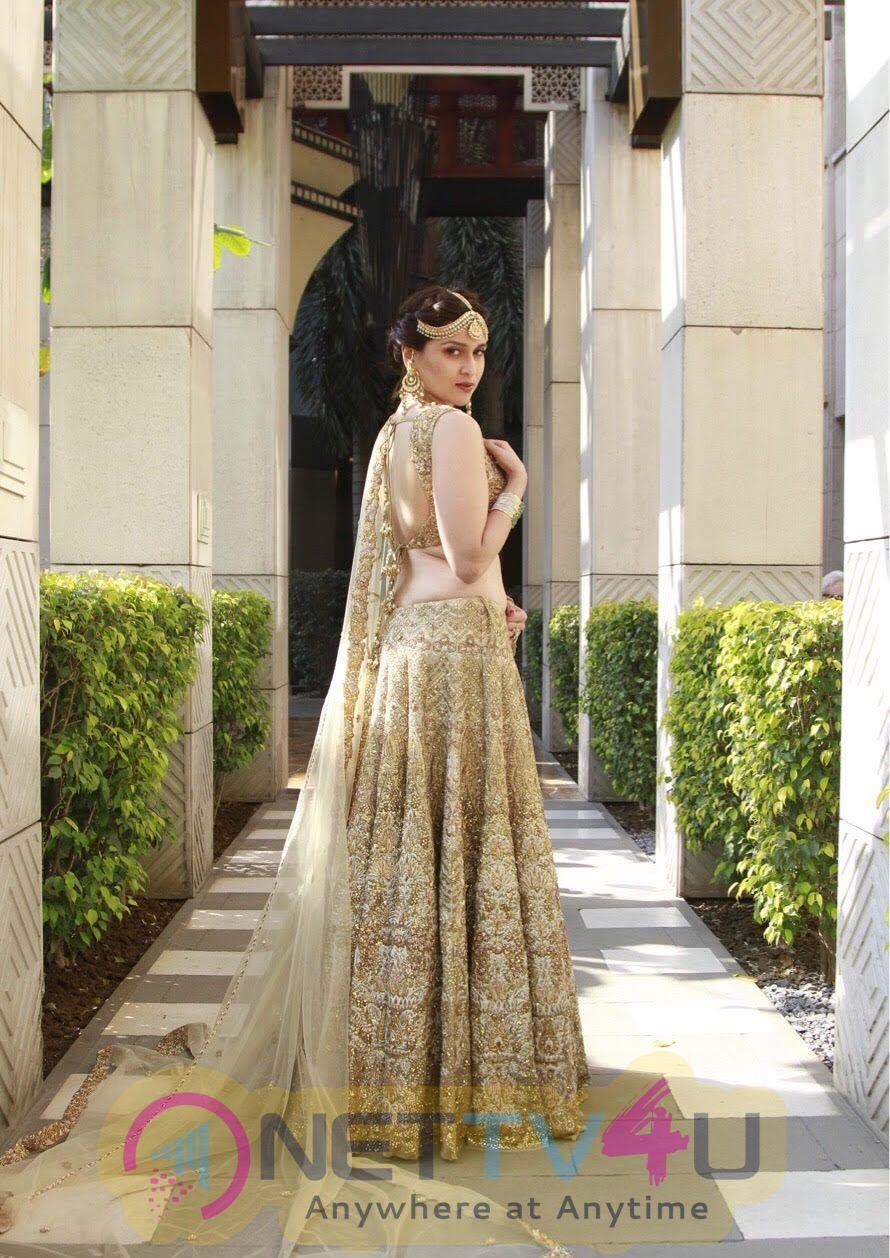 Actress Mannara Chopra Most Admirable WOW Pics