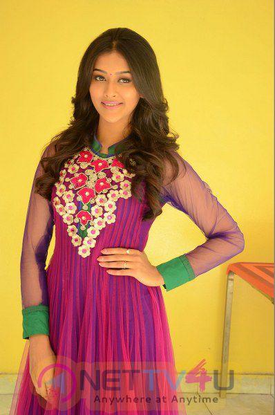Actress Pooja New Adorable Photos