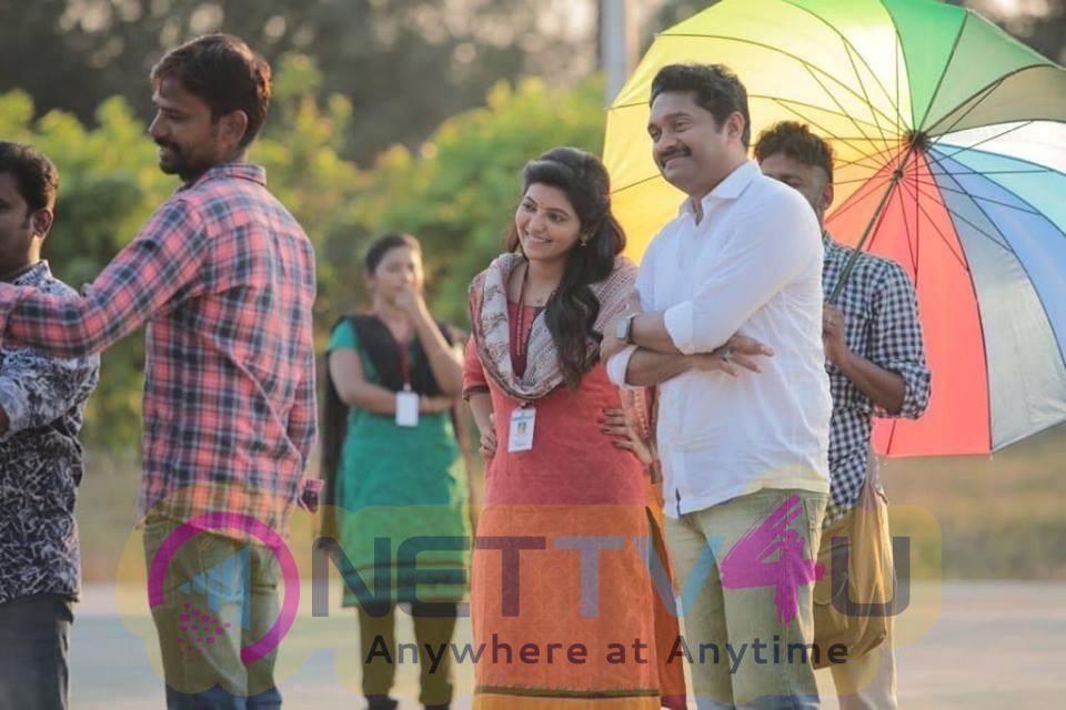 Adutha Saattai Movie Working Stills