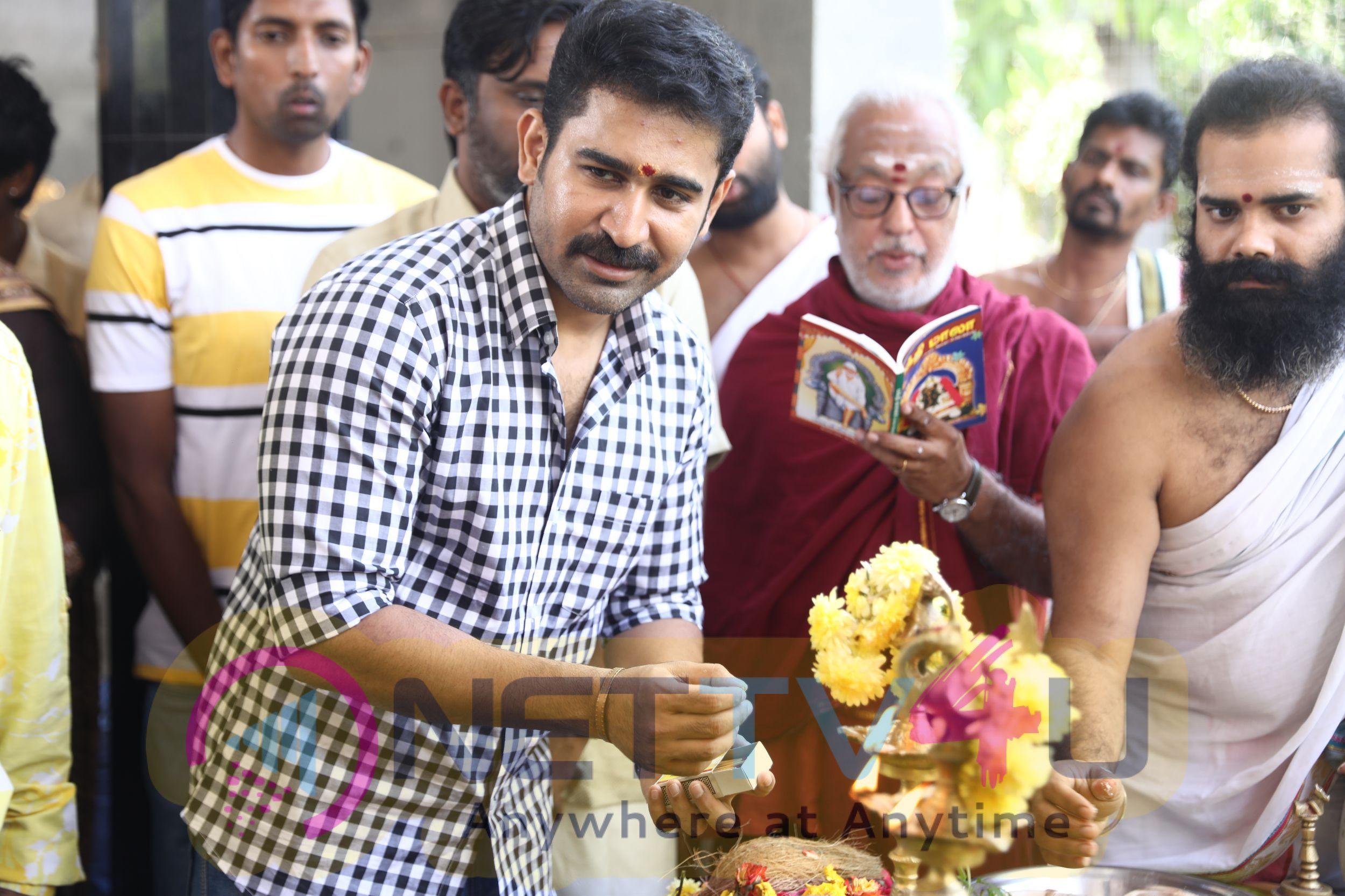 Khaki Movie Pooja Pics Tamil Gallery