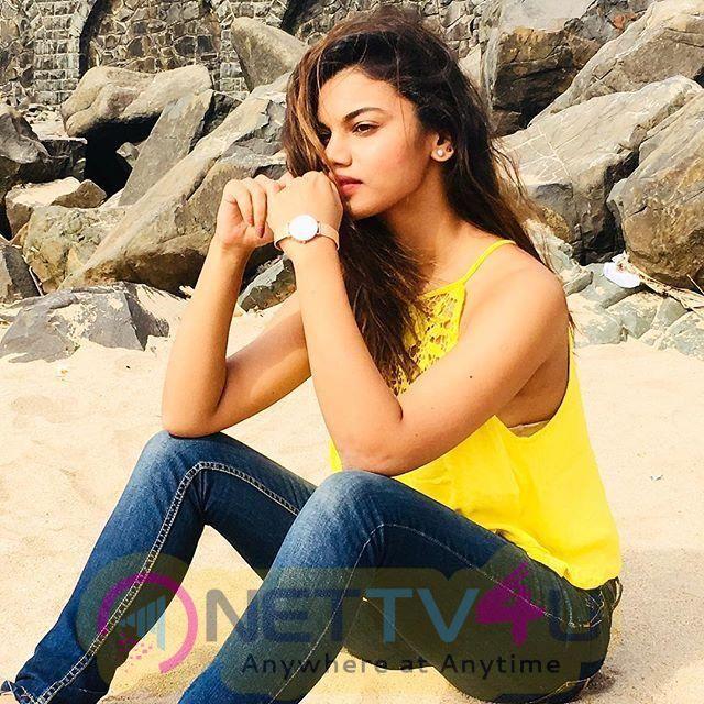 Actress Aradhana Nayar Cute Stills