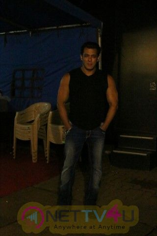 Salman Khan Came To Mehboob Studio Photos