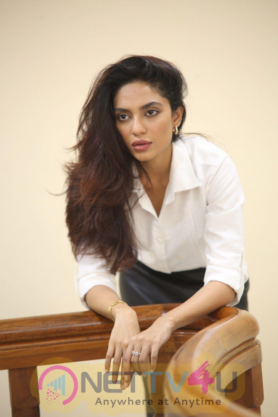 Actress Sobhita Dhulipala Cute Images Hindi Gallery