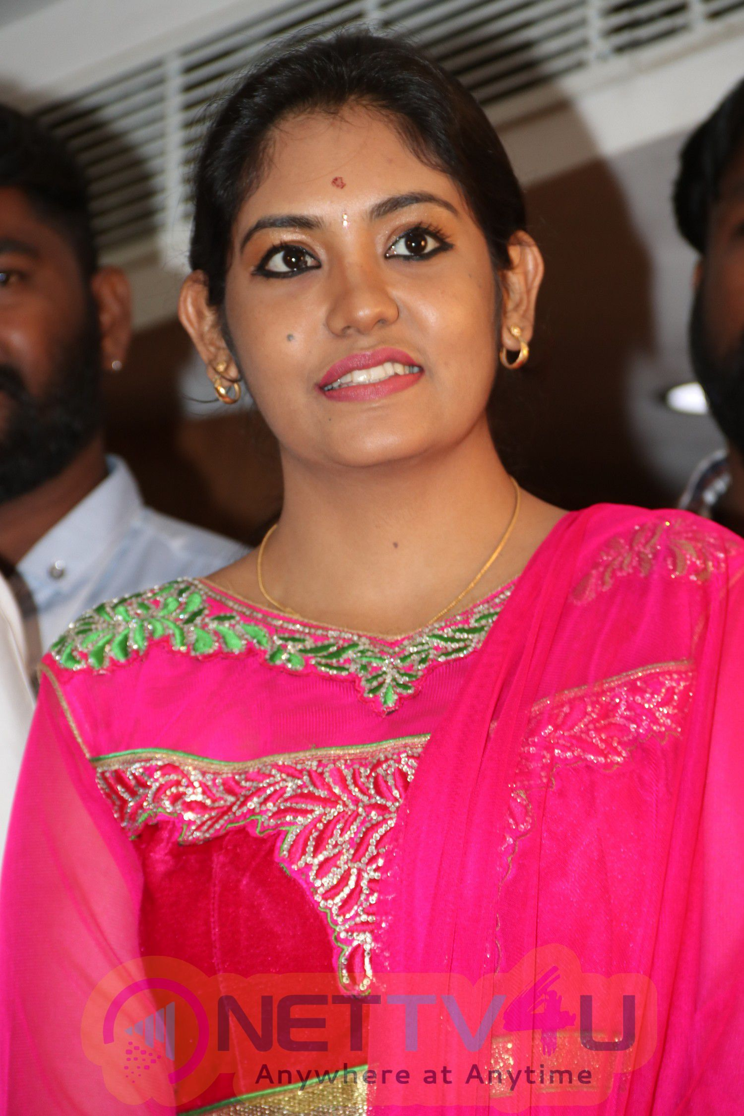9 Giragankalum Ucham Petravan Movie Pooja Stills Tamil Gallery