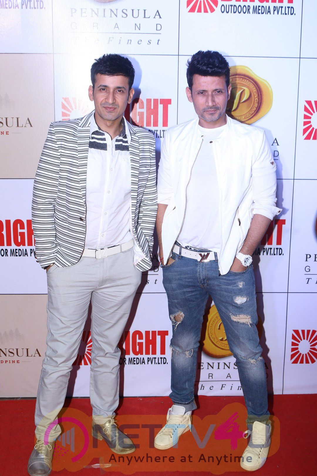 CM Devendra Fadnavis,Hrithik Roshan At 3rd Bright Award Stills