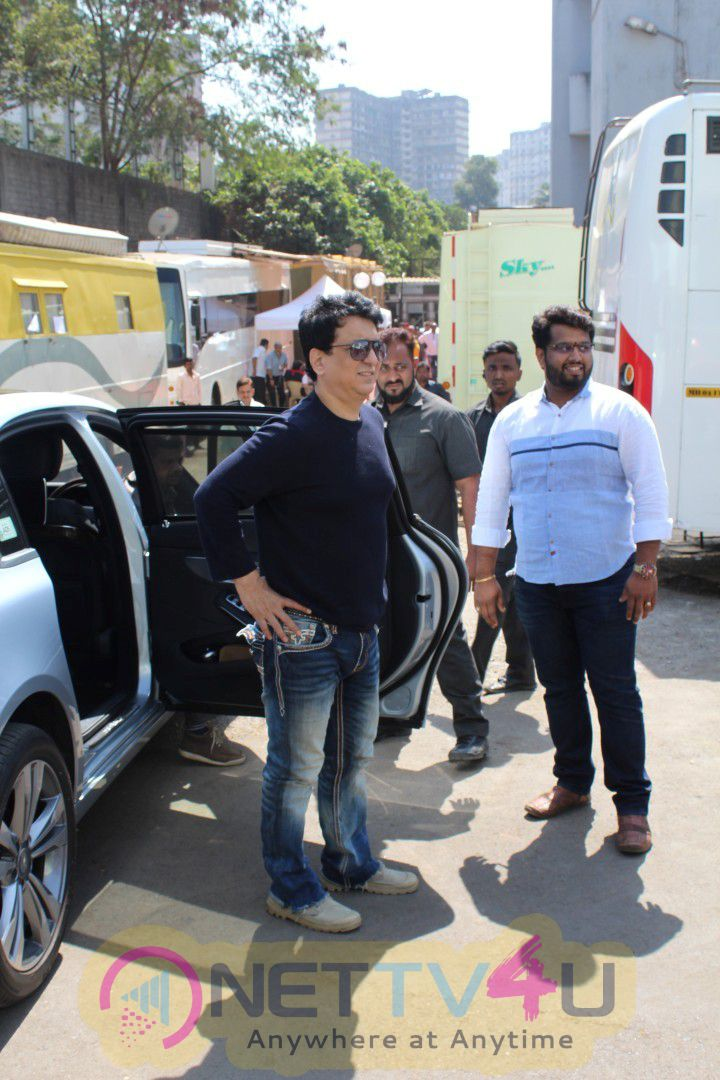PC With Judwaa 2 Team For Celebrate 20 Years Of Completing Judwaa Photos Hindi Gallery
