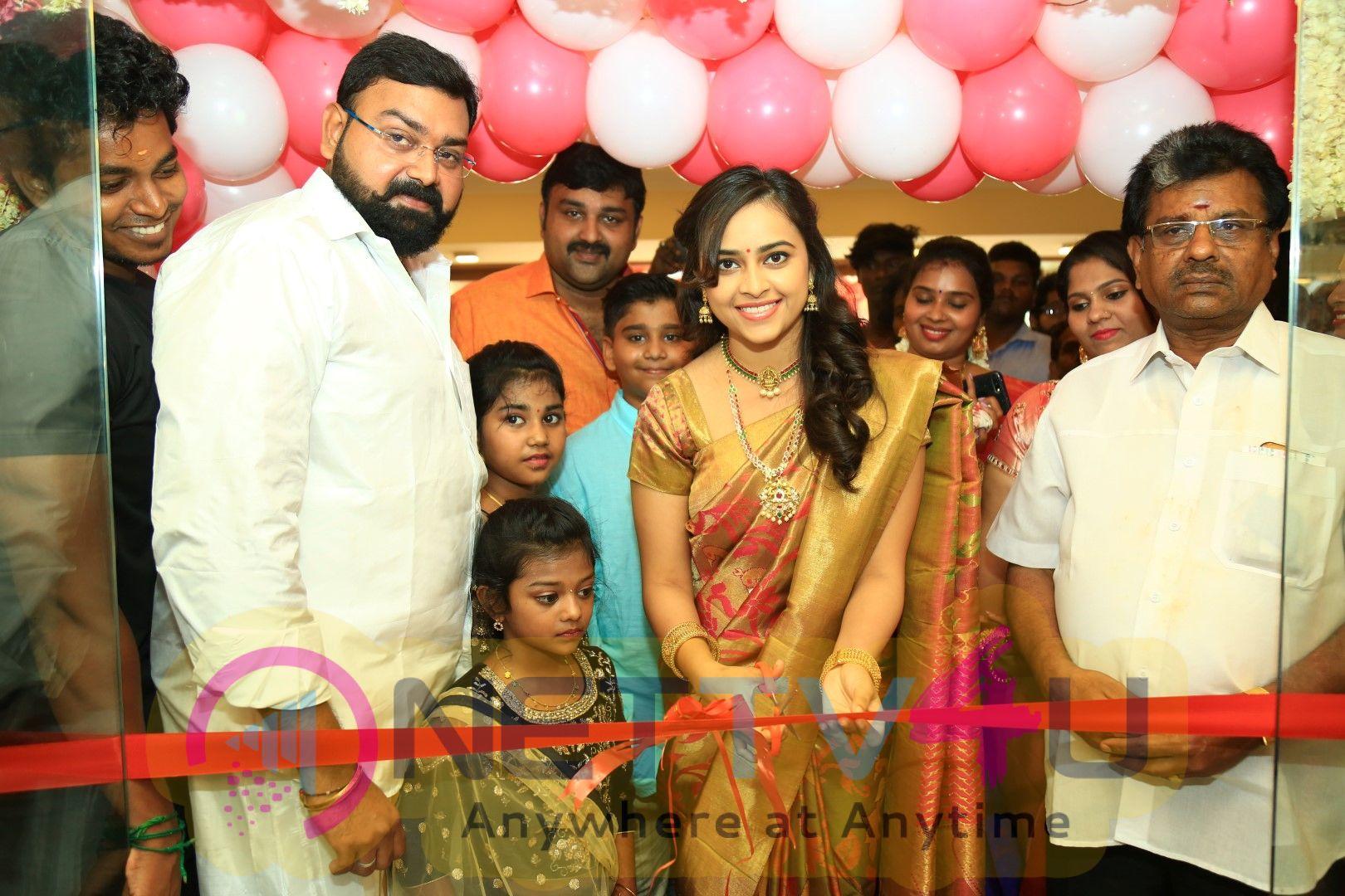 Actress Sri Divya Launches Sri Kanchi Pattu Showroom At Kanchipuram Pics