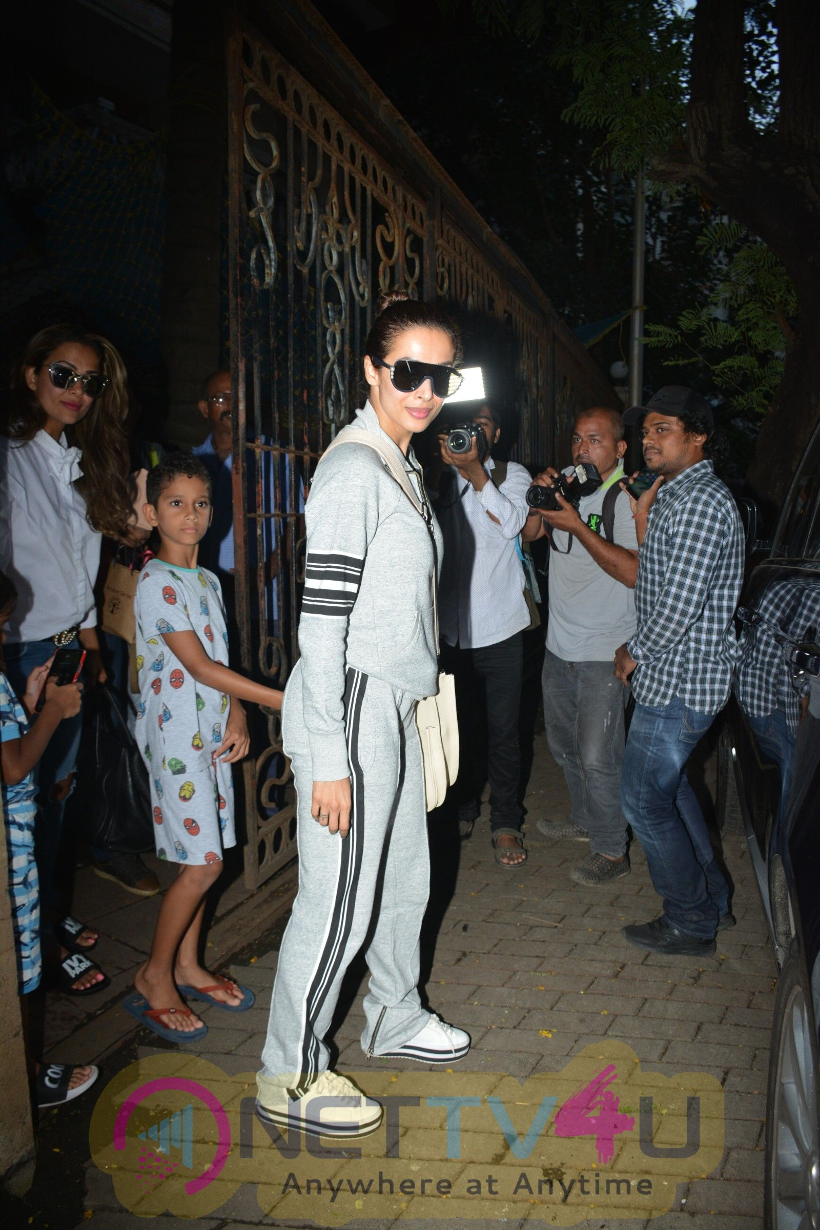 Malaika Arora And Amrita Arora Spotted At Bastian In Bandra Pics Hindi Gallery
