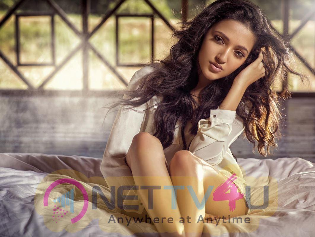 Actress Neha Shetty Lovely Pics