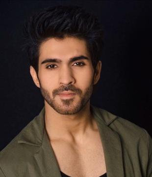Actor Manish Verma