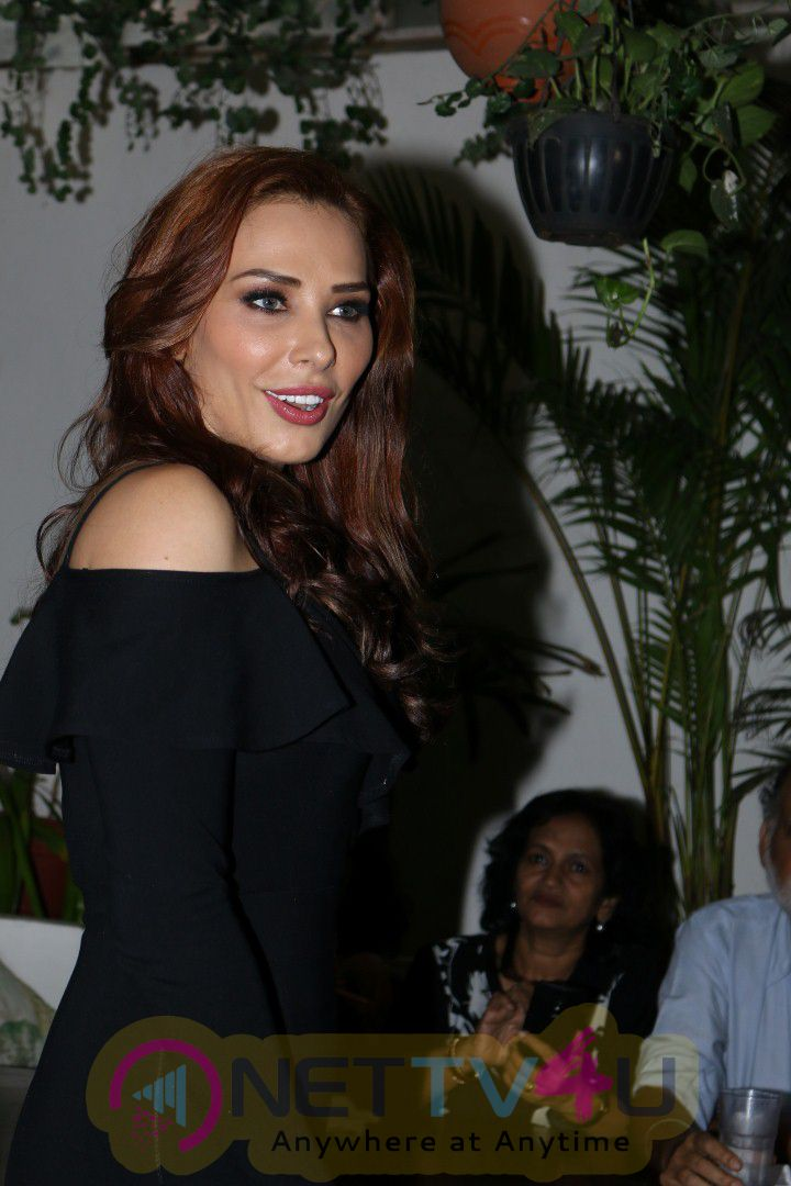 Himesh Reshammiya & Iulia Vantur At Launch Of Song Every Night And Day Graceful Photo