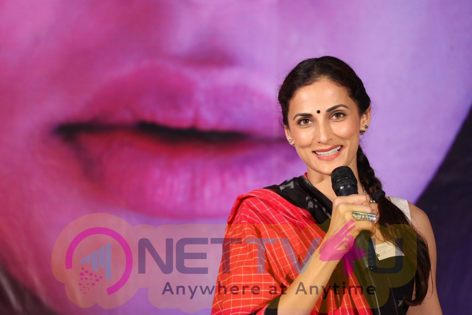 Actress Shilpa Reddy Cute Photos Tamil Gallery