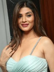 Srishti Rana Telugu Actress