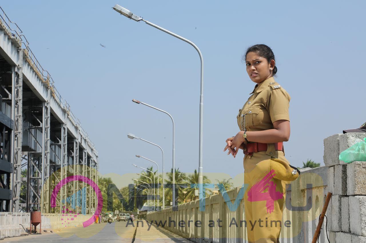 Tamil Movie Miga Miga Avasaram Making Stills And Nice Images