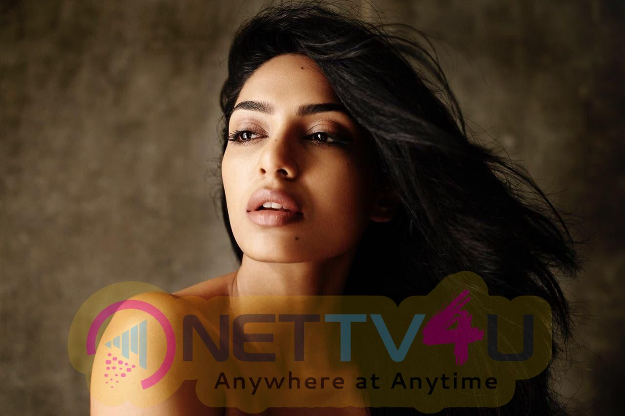 Shobitha Dhulipala Hindi Gallery