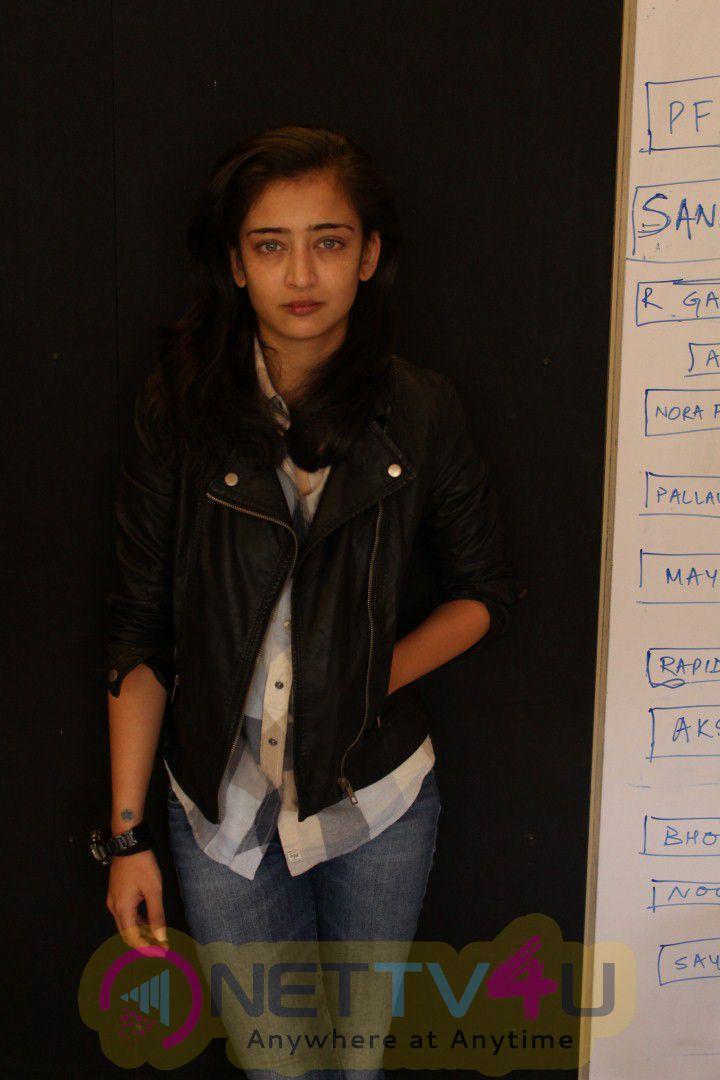 Interview With Akshara Haasan Cute Photos