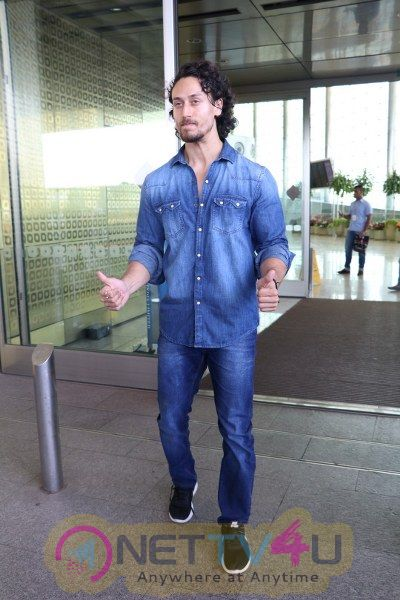 Tiger Shroff ,Sonam Kapoor & Dwayne Bravo Spotted At Airport