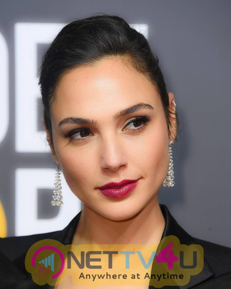 Actress Gal Gadot Charming Pics  English Gallery