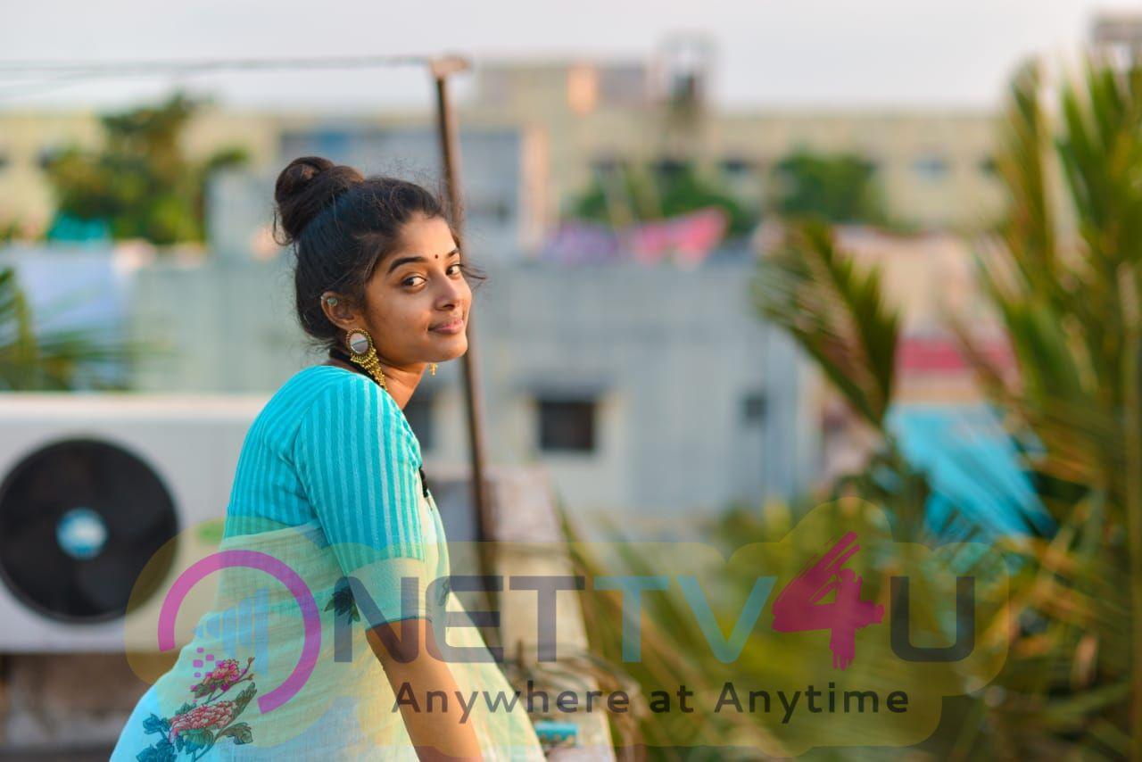 Actress Sheela Rajkumar Beautiful Images Tamil Gallery