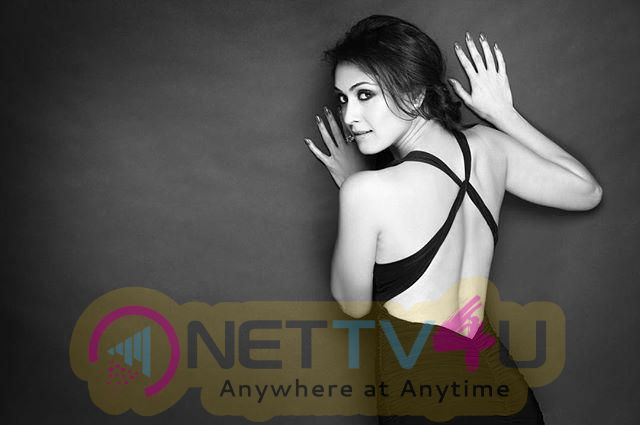Actress Manjari Phadnis Endearing Images