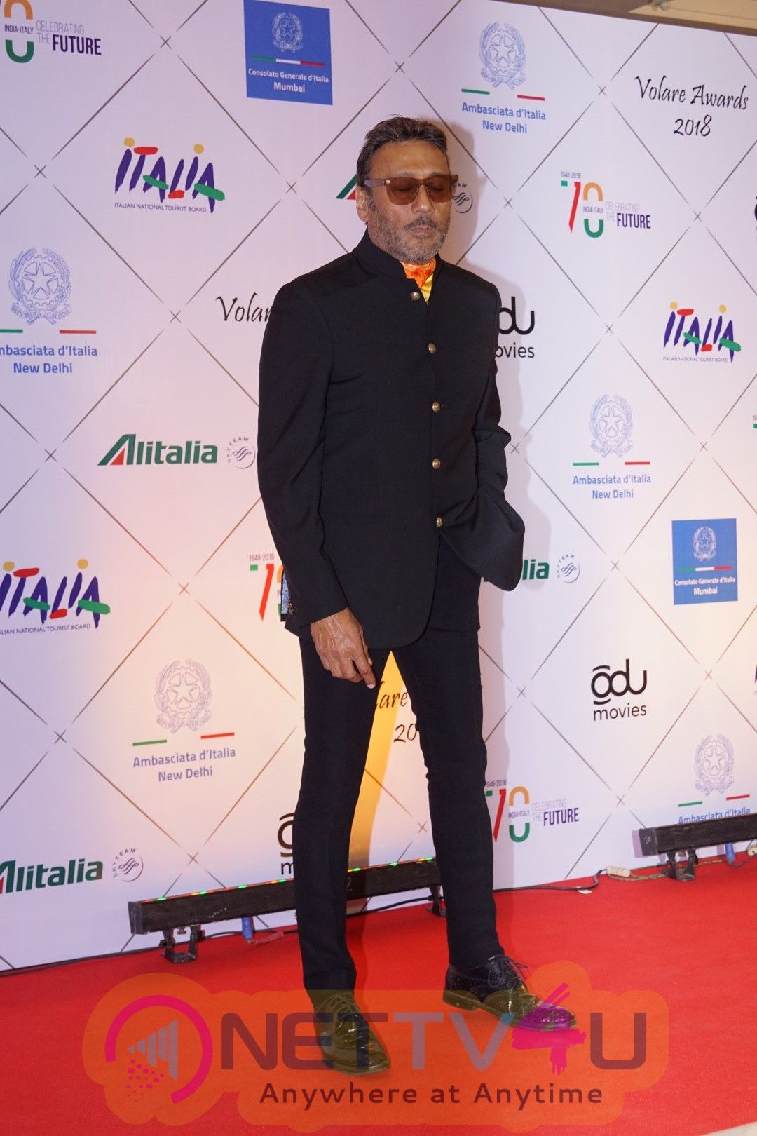 Deepika Padukone & Jackie Shroff At Red Carpet Of Volare Awards 2018