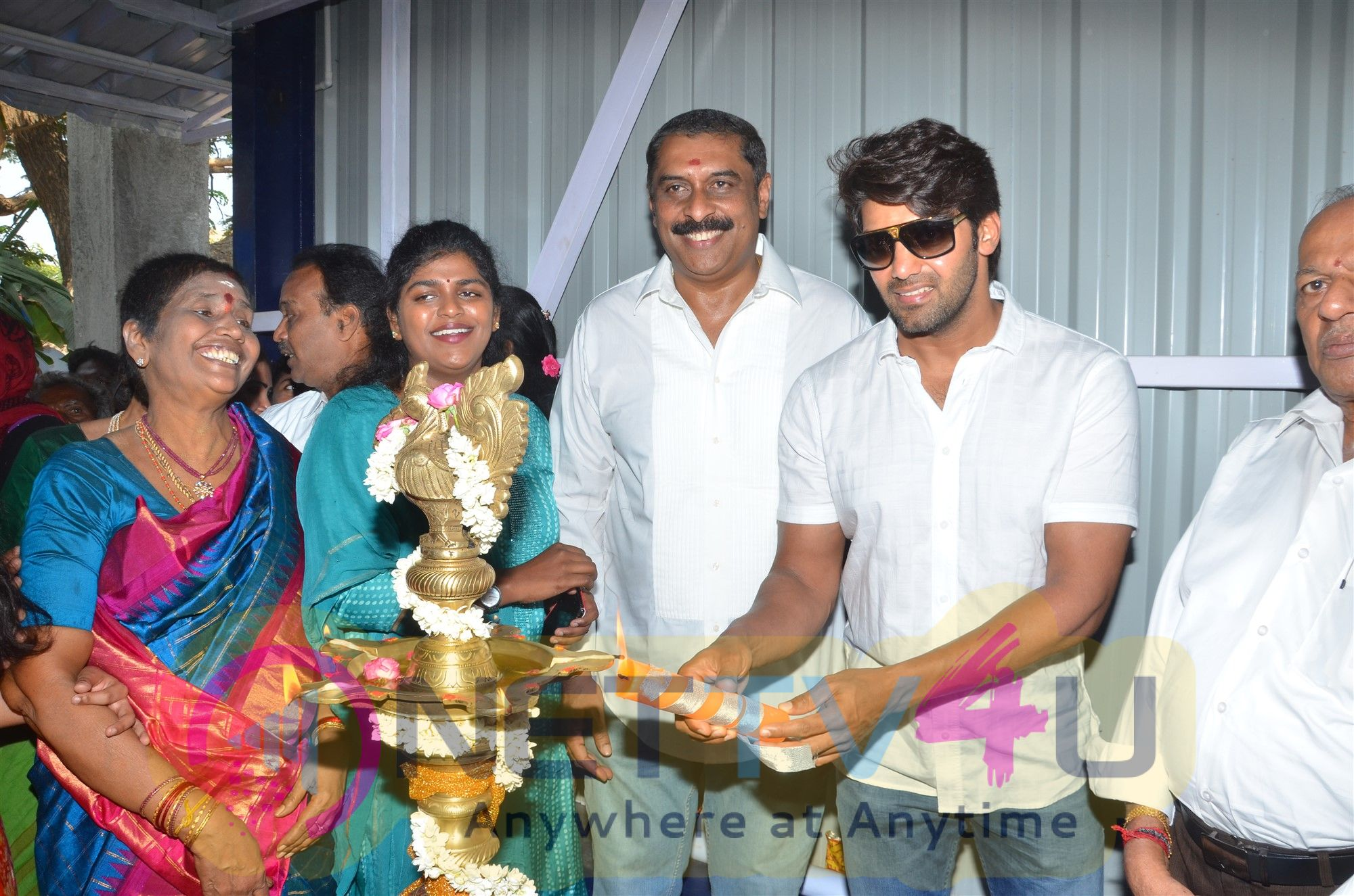 Actor Arya Opens Badminton Academy Pics