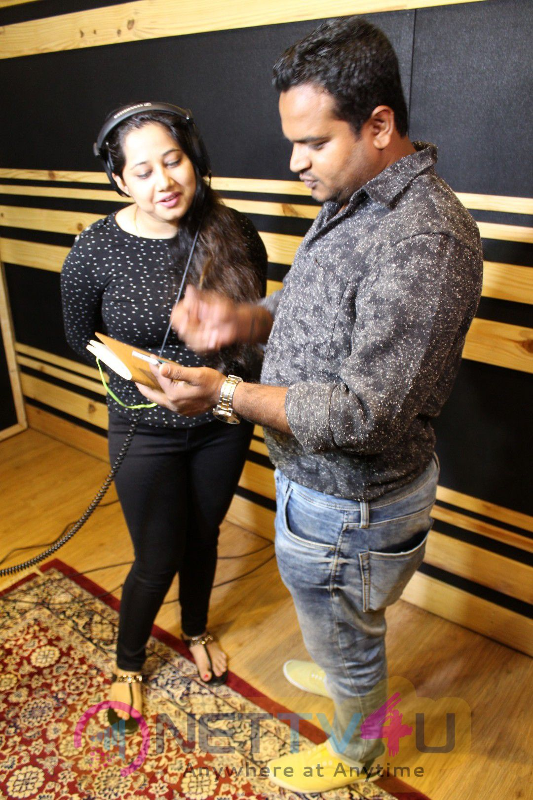 Kaabil Fame Singer Payal Dev Records A Song For Hrishikesh Pandey's Social Campaign Stills