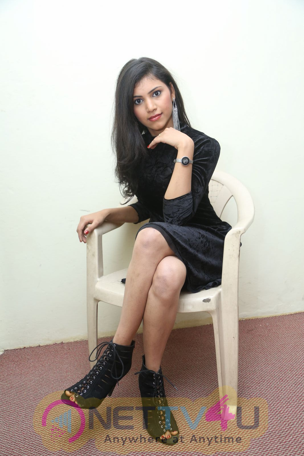 Actress Mounica Hot And Sexy Photos  Telugu Gallery