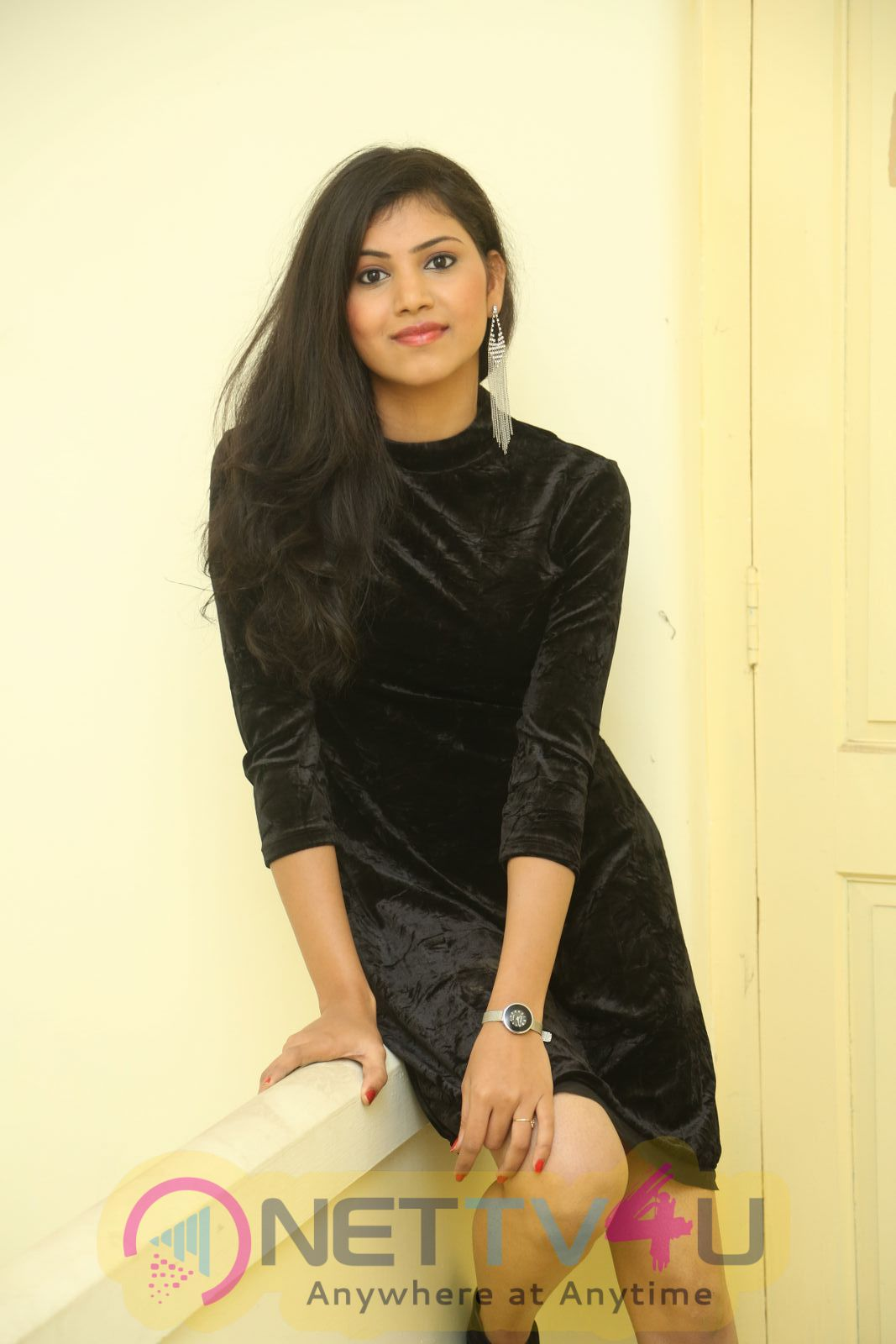 Actress Mounica Hot And Sexy Photos  Telugu Gallery