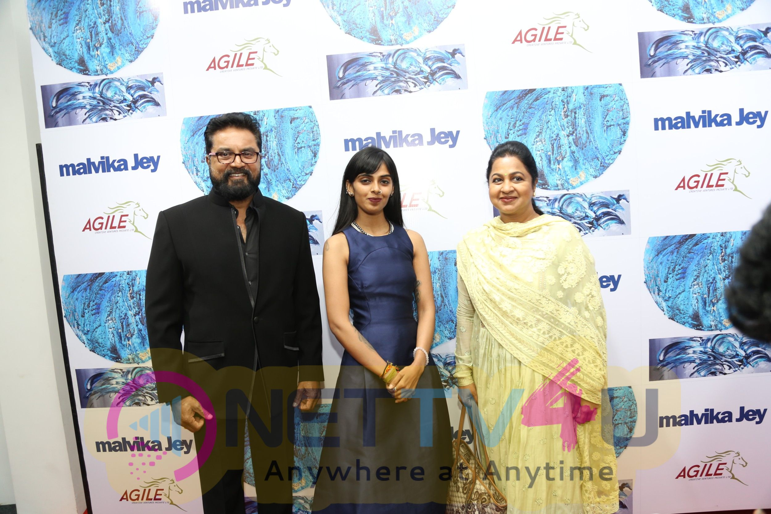 Inauguration  Of Singing Colours Painting By Malvika Jey - Initiated By Agile Stills