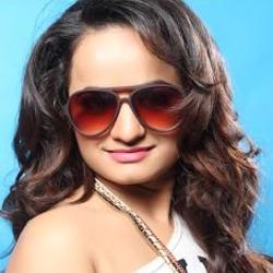 Aarohi Kapoor Hindi Actress