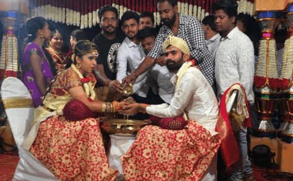 Marriage Of Yogesh And Sahitya Happens In A Gra..