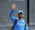 Dhoni Bids A Bye To The Captaincy! Celebrities Share Their Views About Him! Tamil News