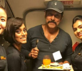 Airhostesses Give A Pleasant Surprise To Vikram Tamil News