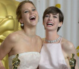 Anne Hathaway Comes To The Rescue Of Jennifer Lawrence! English News