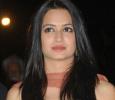 Frightened Kriti Kharbanda Kept The Lights On! Hindi News